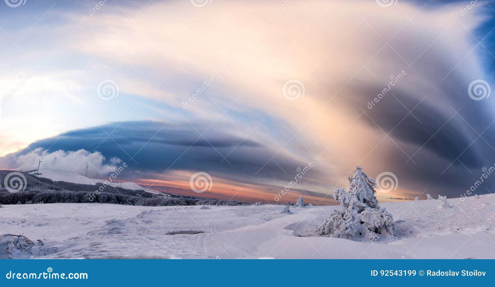 Όμορφη χειμερινή landscape