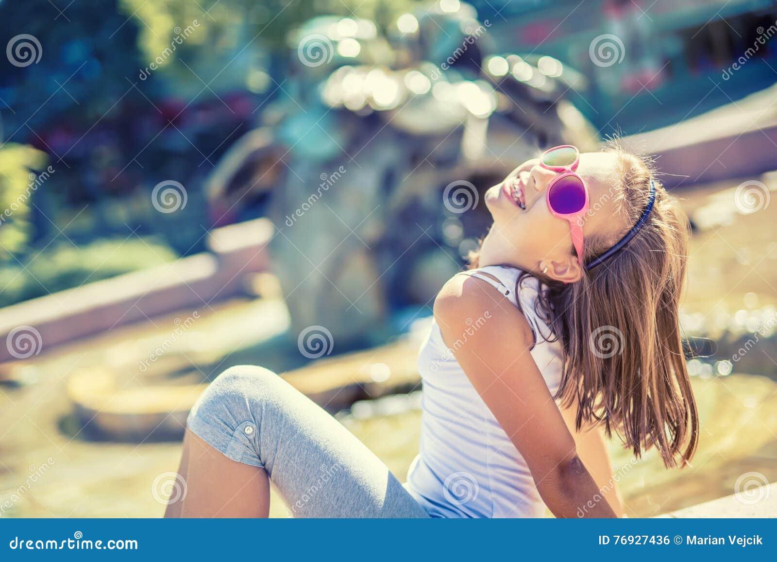 νέοι γυμνή έφηβος εικόνες λεσβιακό σεξ με το πουλί