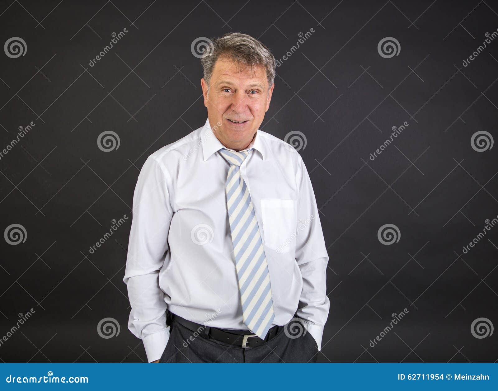 Όμορφος επιχειρηματίας στο άσπρο υπόβαθρο