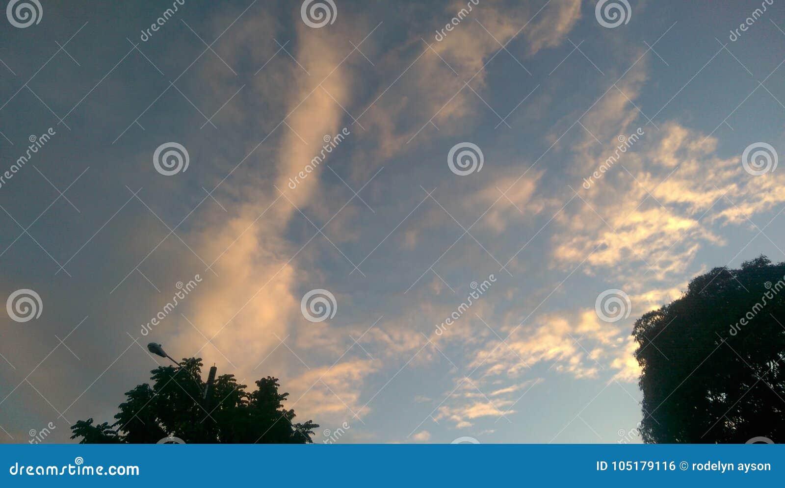 Όμορφος ουρανός