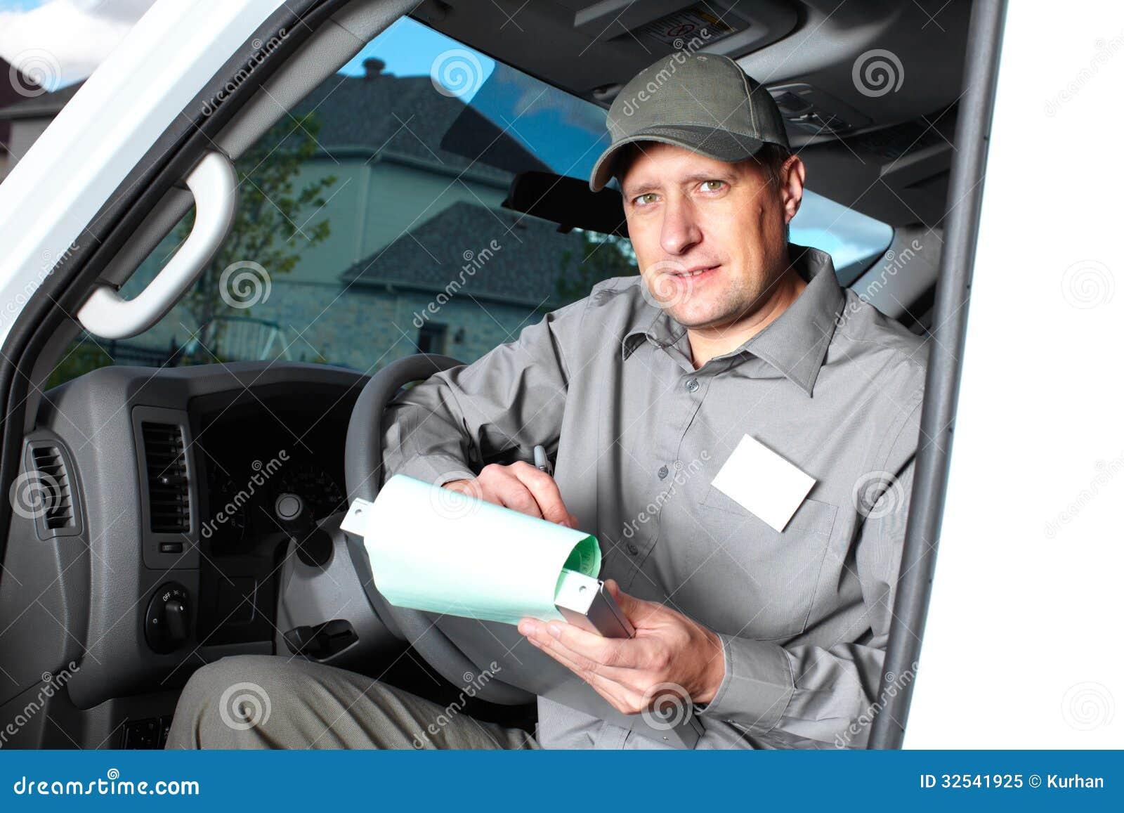 Όμορφος οδηγός φορτηγού.