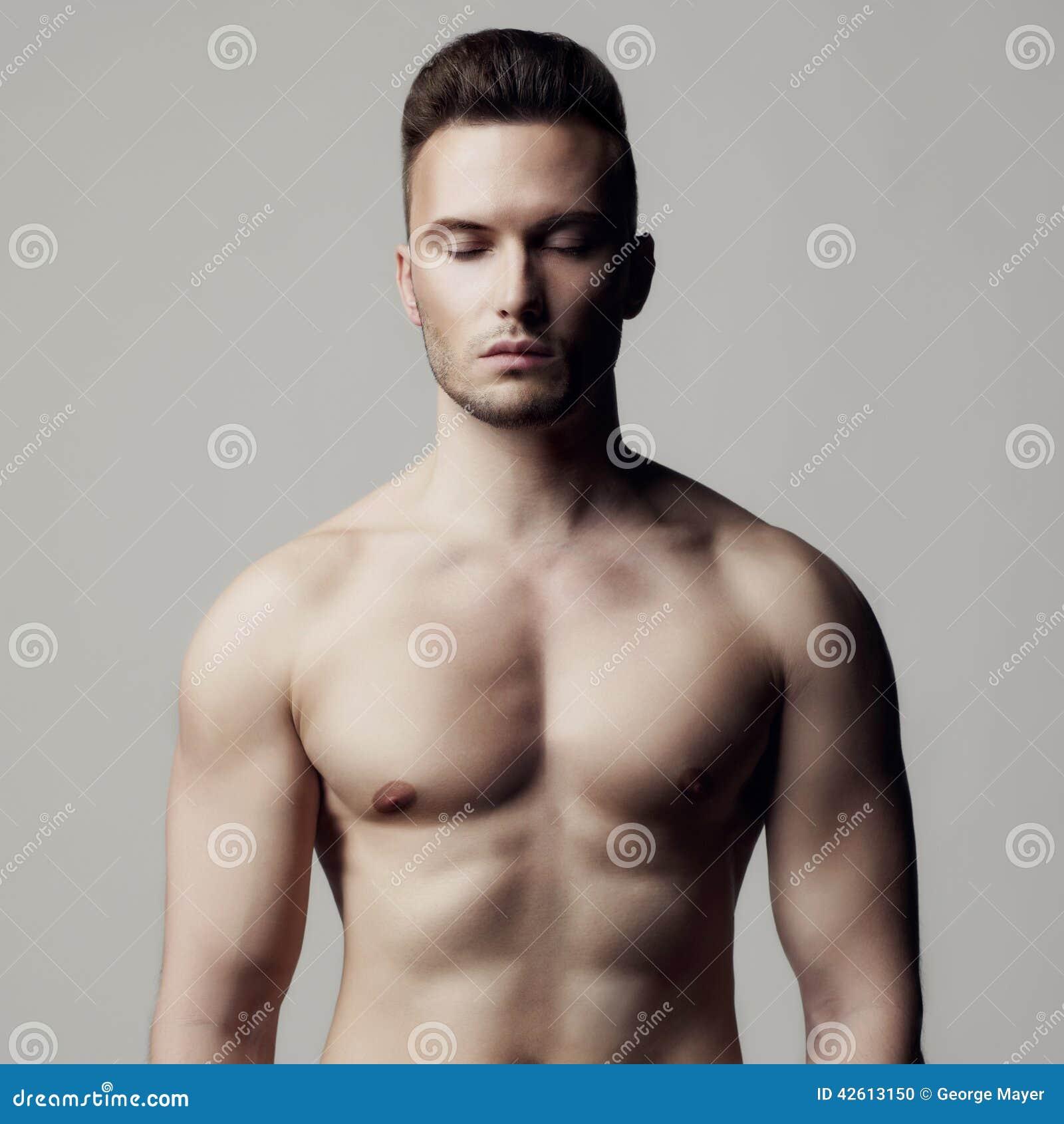 Γυμνό αρσενικό μοντέλο φωτογραφίες
