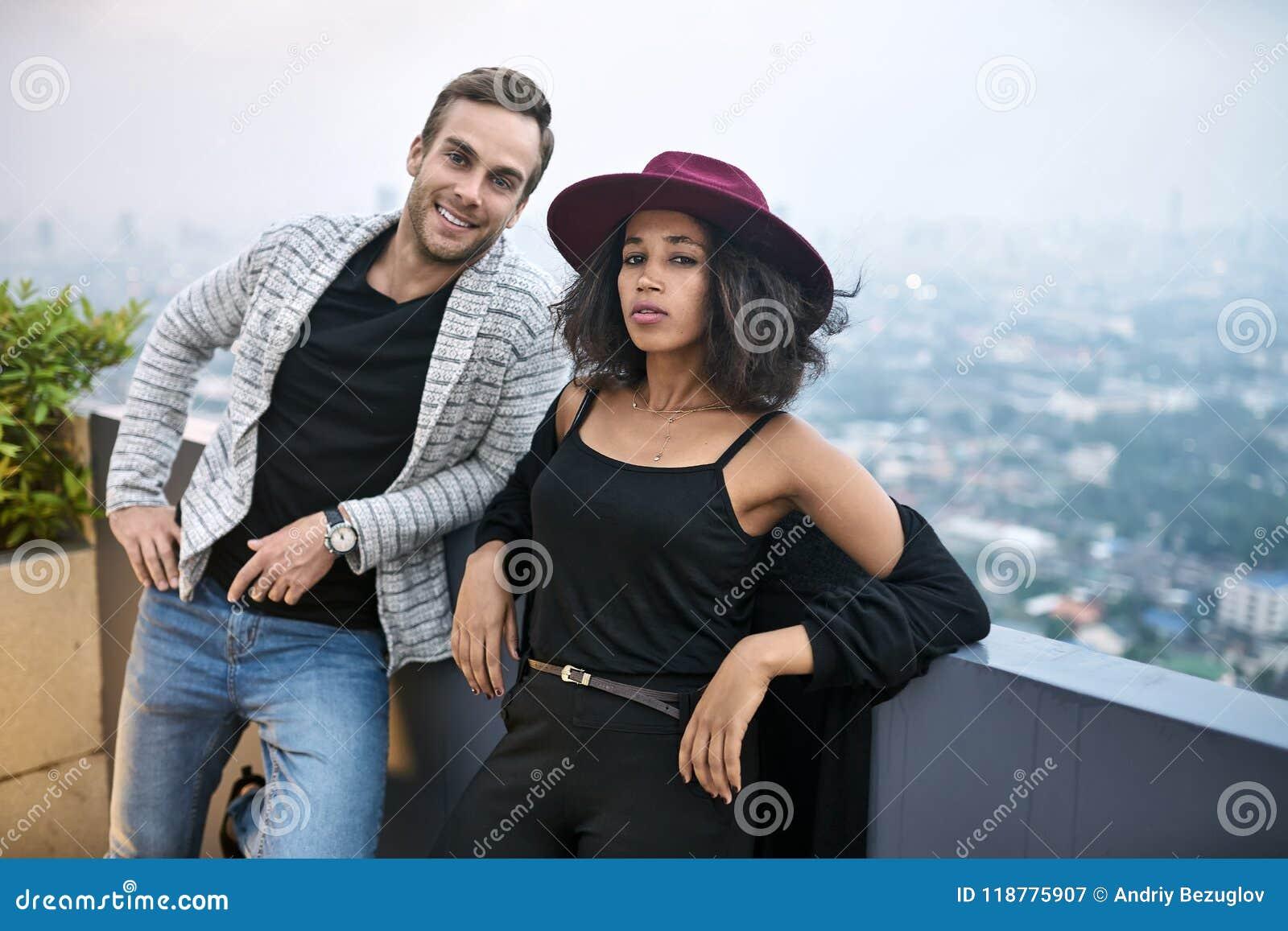 Η έξαψη βασίλισσες dating