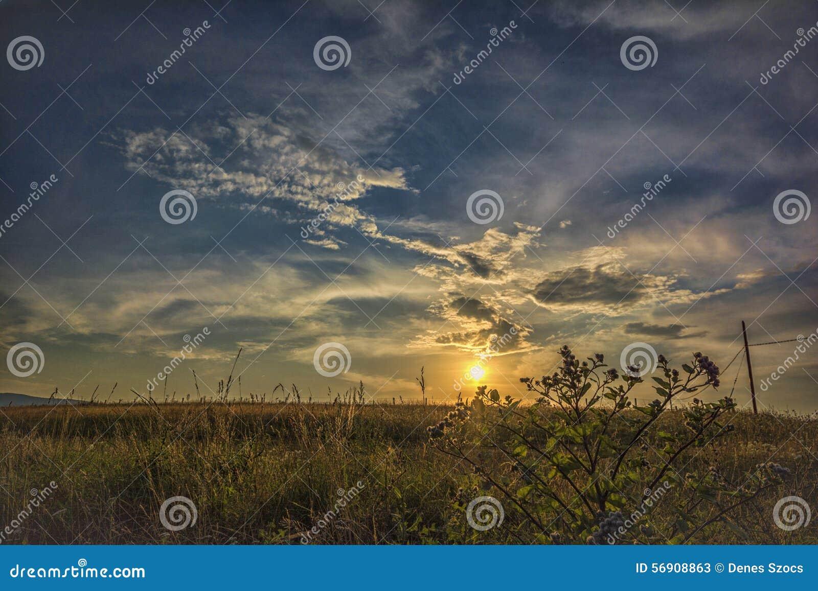 όμορφο ηλιοβασίλεμα σύνν&e
