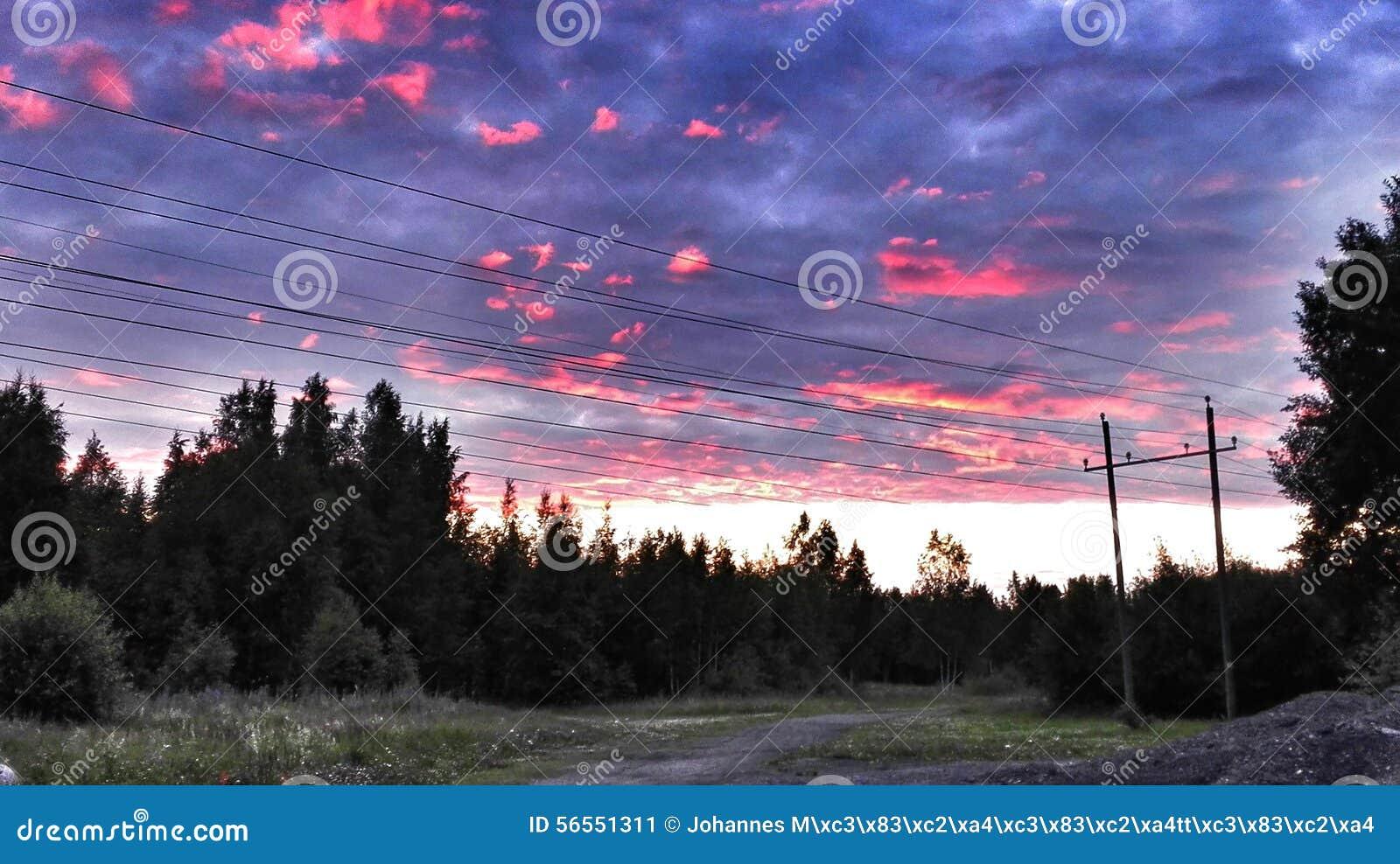 Download όμορφο ηλιοβασίλεμα στοκ εικόνα. εικόνα από ηλιοβασίλεμα - 56551311