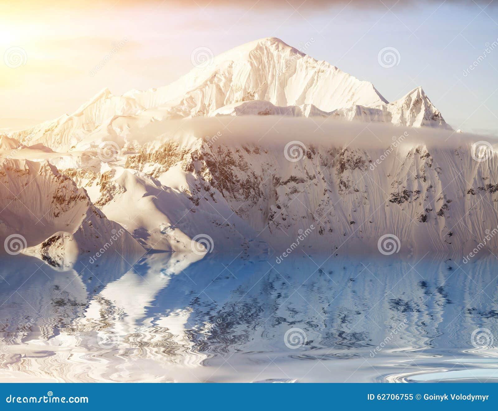 όμορφο καλυμμένο χιόνι βο&ups