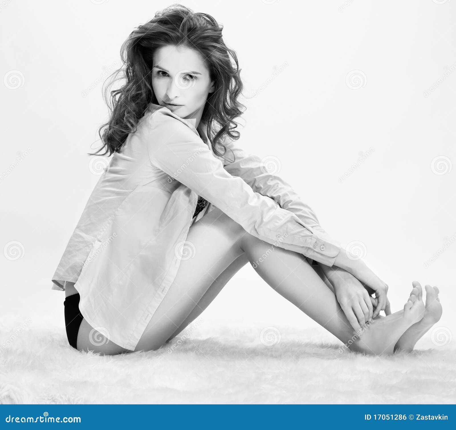 όμορφο κορίτσι γουνών