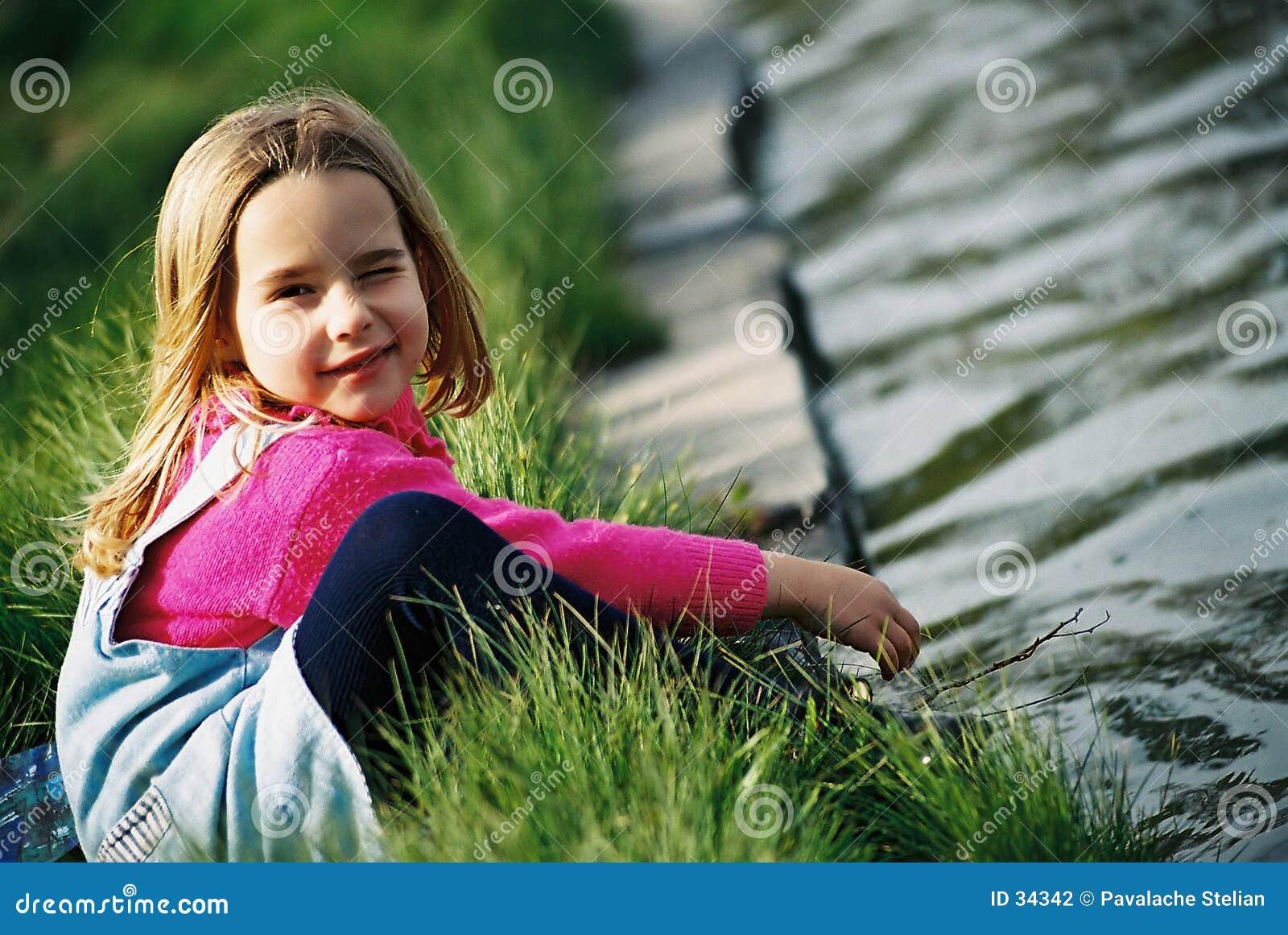 Download όμορφο κορίτσι λίγα στοκ εικόνες. εικόνα από κατσίκι, στόμα - 34342