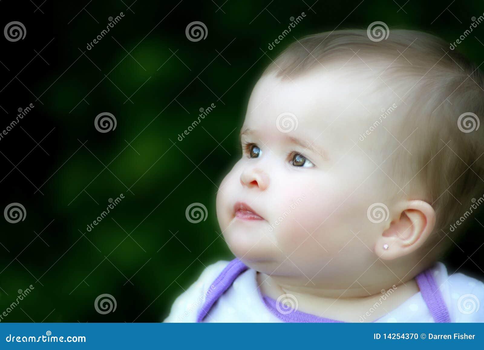 όμορφο κορίτσι μωρών