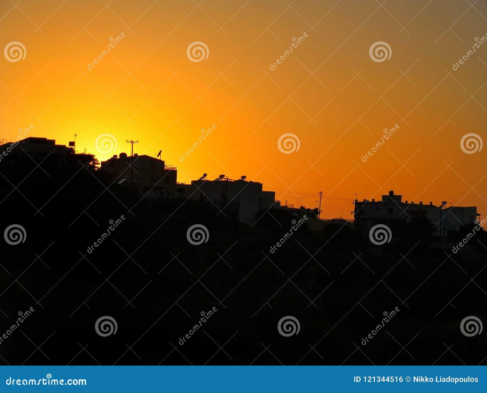 Όμορφο κρητικό ηλιοβασίλεμα