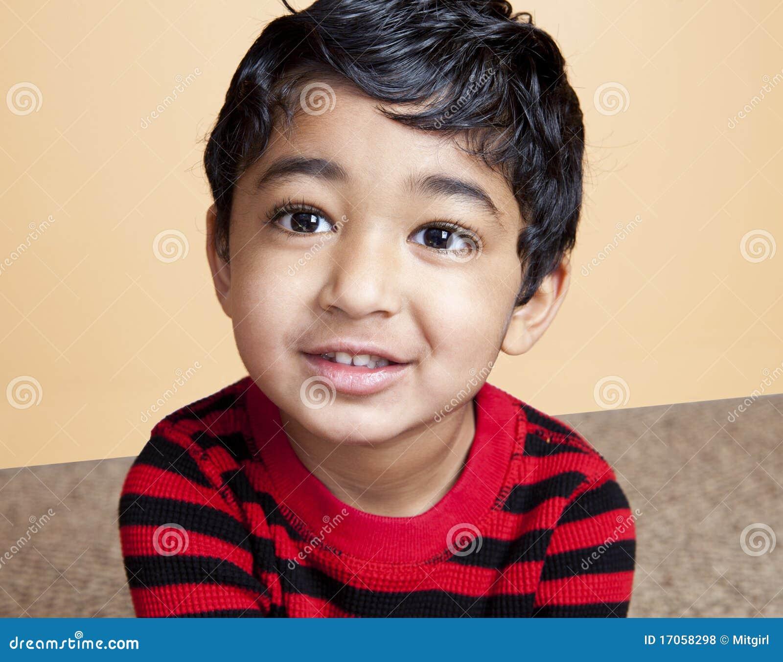 όμορφο μικρό παιδί πορτρέτο&up