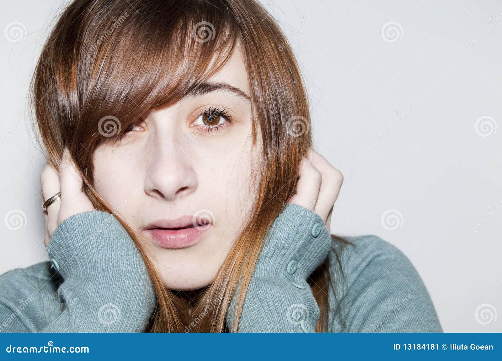 Όμορφο Brunette