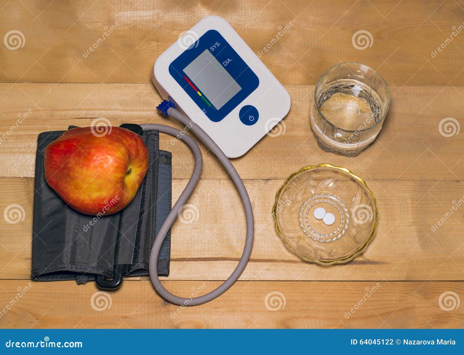 Όργανο ελέγχου και χάπια πίεσης του αίματος