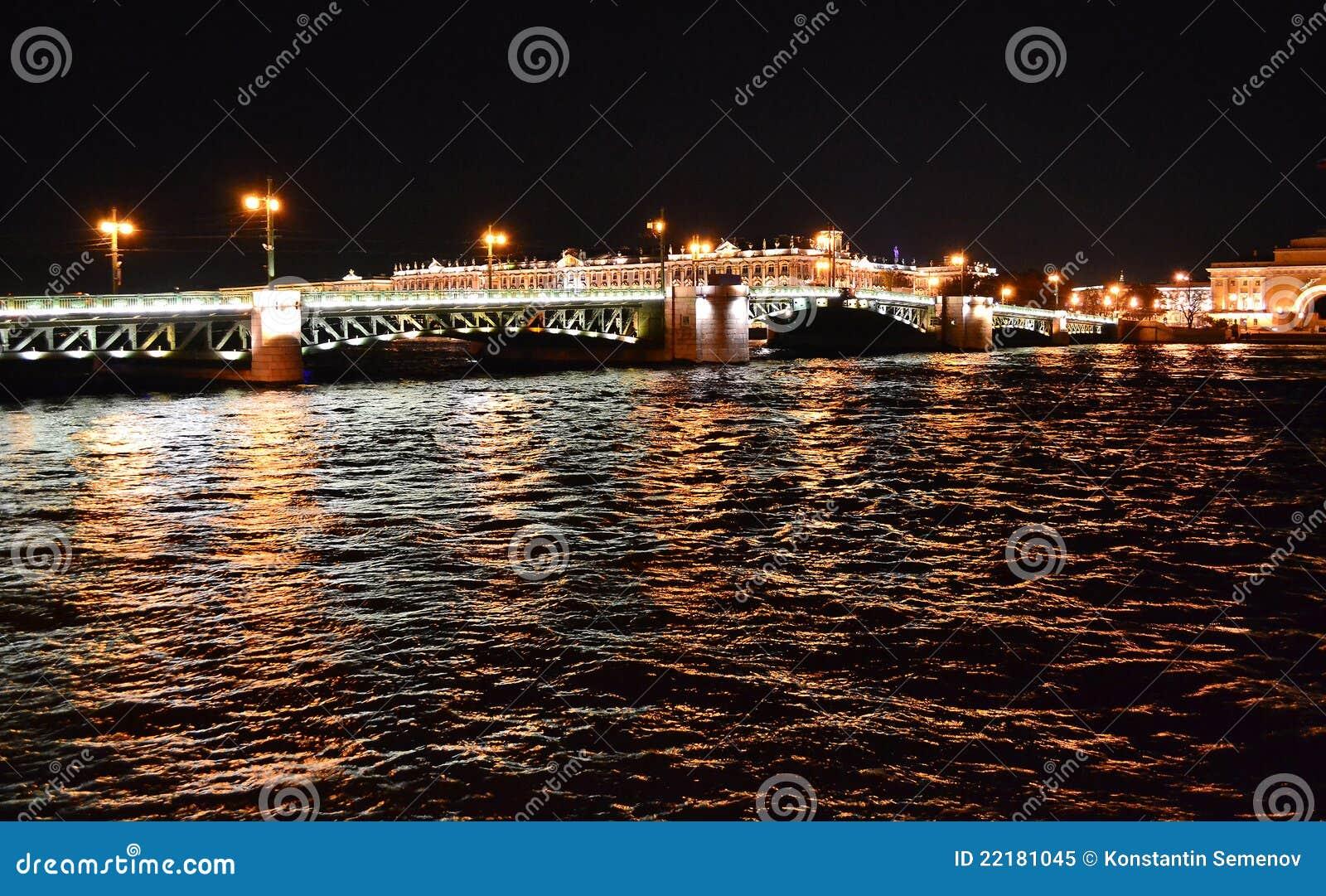 Όψη νύχτας της Αγία Πετρούπολης
