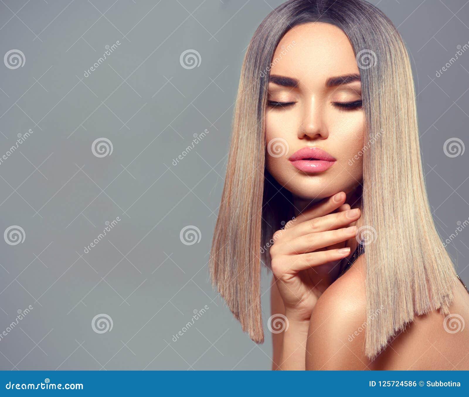 абстрактная иллюстрация стиля причёсок способа знамени Ombre покрасило волосы Девушка красоты модельная при совершенные здоровые