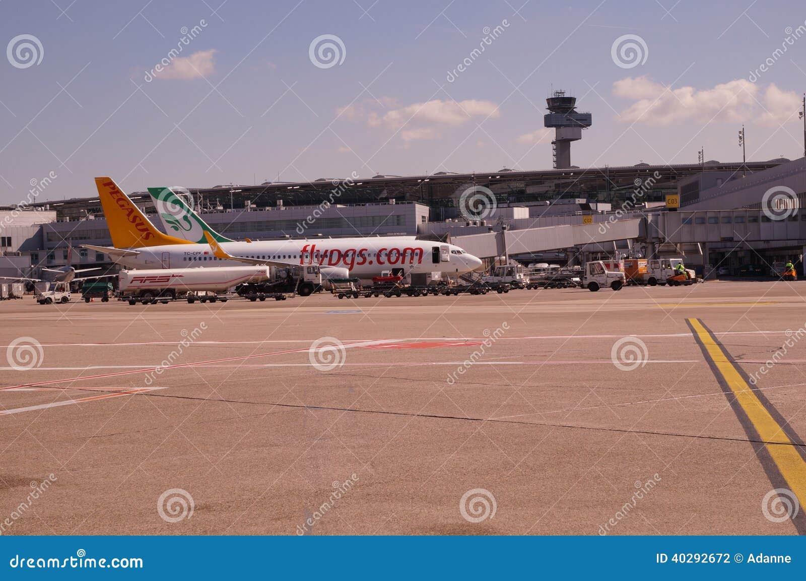 Авиапорт Düsseldorf (DUS)