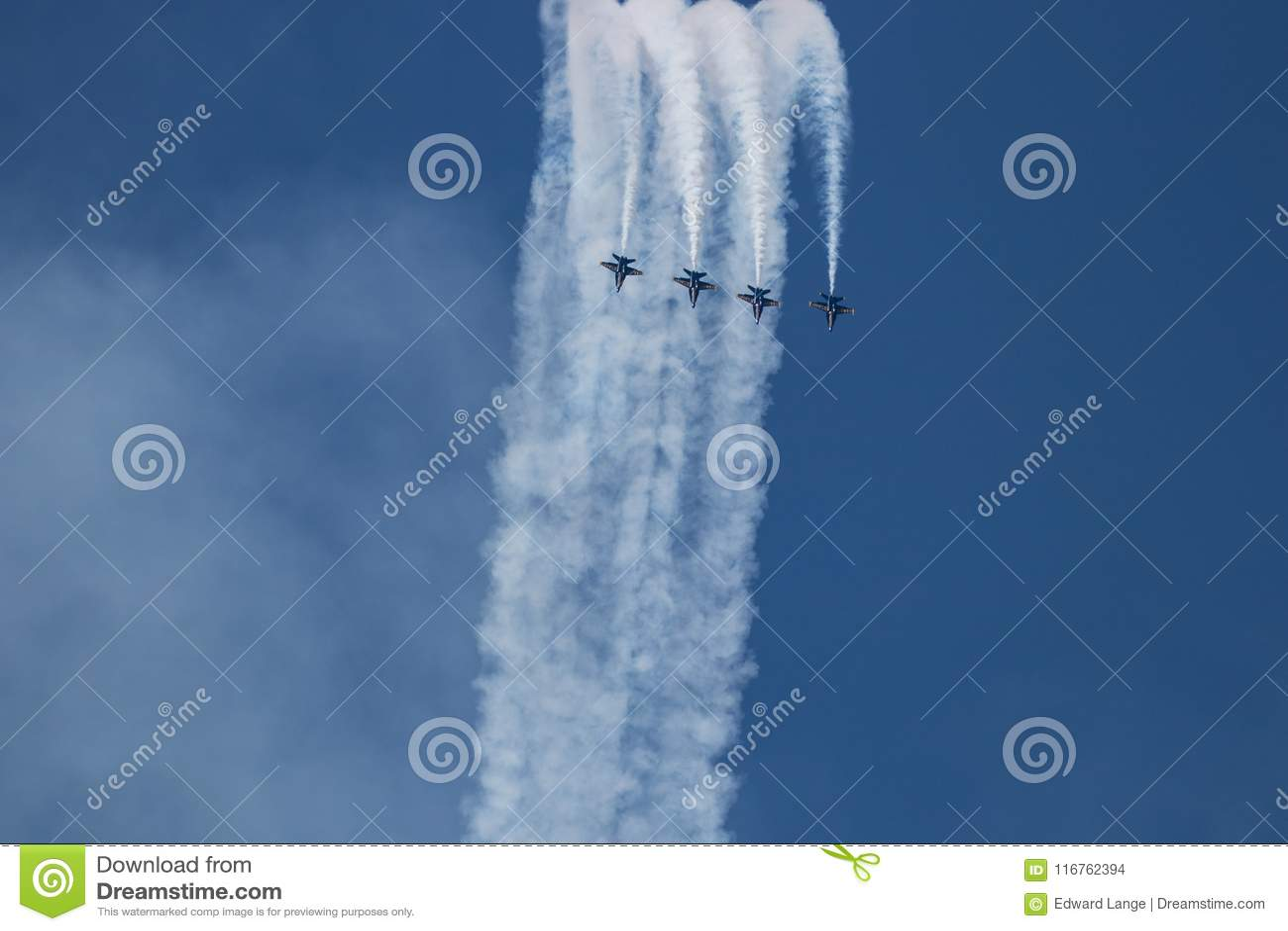 Авиасалон Myrtle Beach Южной Каролины с голубыми ангелами