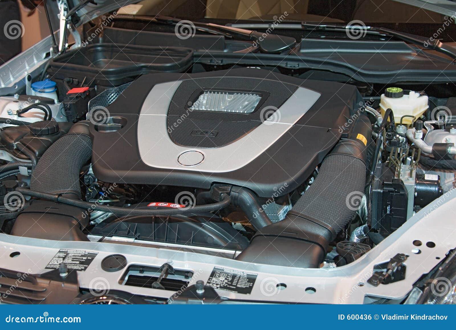 автоматическая перевозка выставки двигателя