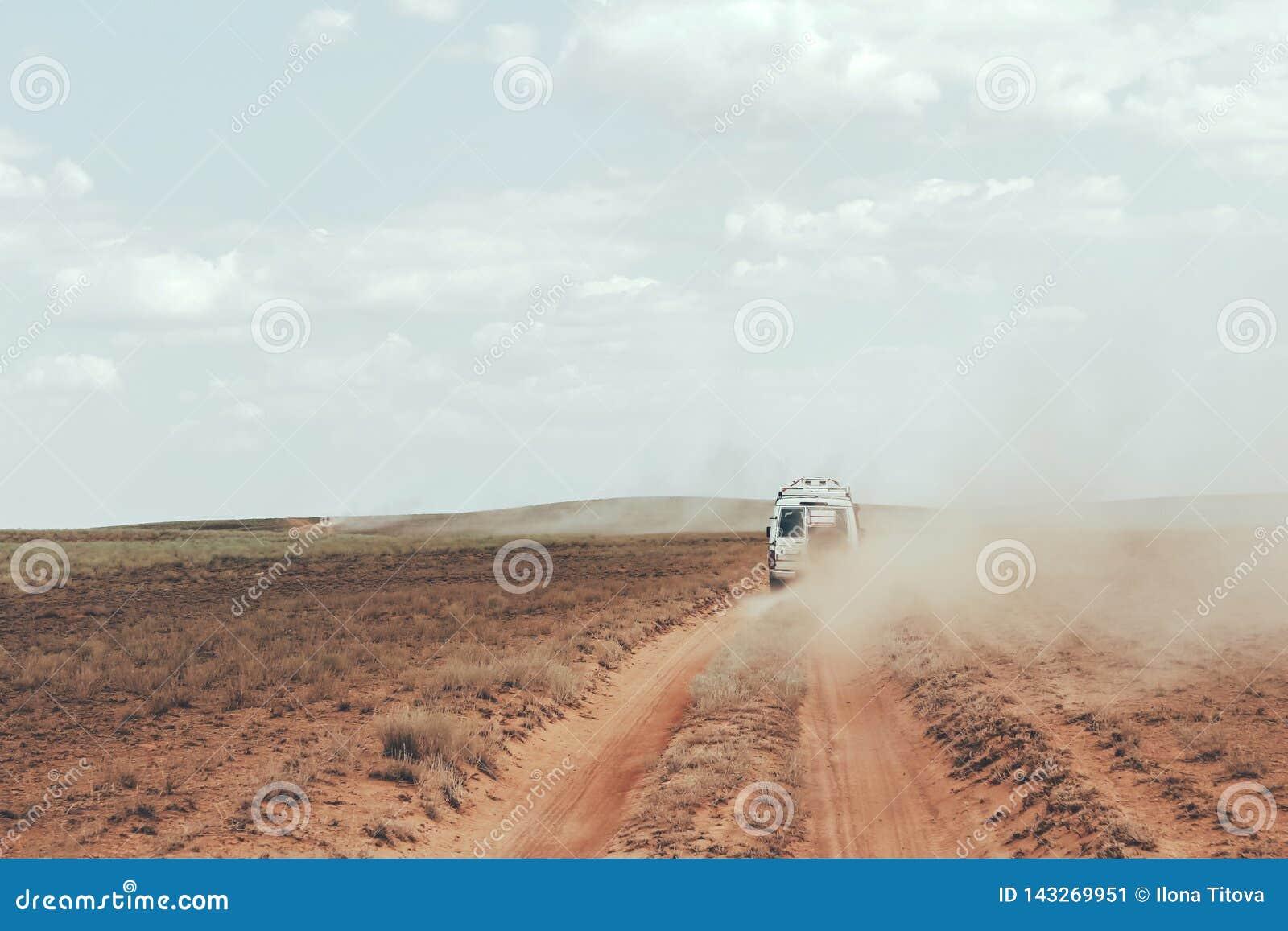 Автомобильное путешествие пустыни
