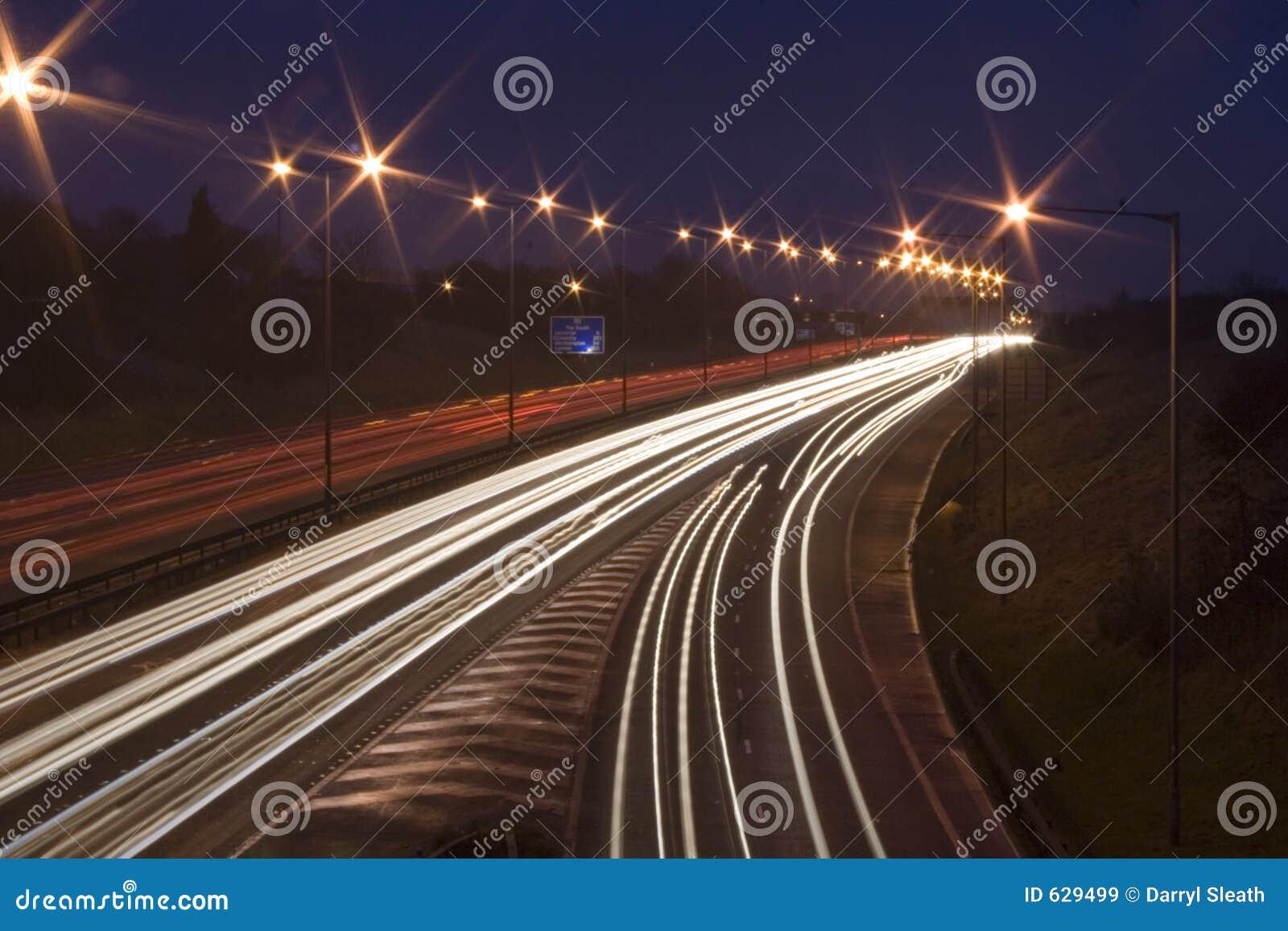 Download автомобиль Англия светлое M1 прокладывает рельсы Великобритания Стоковое Изображение - изображение насчитывающей соединение, кабель: 629499