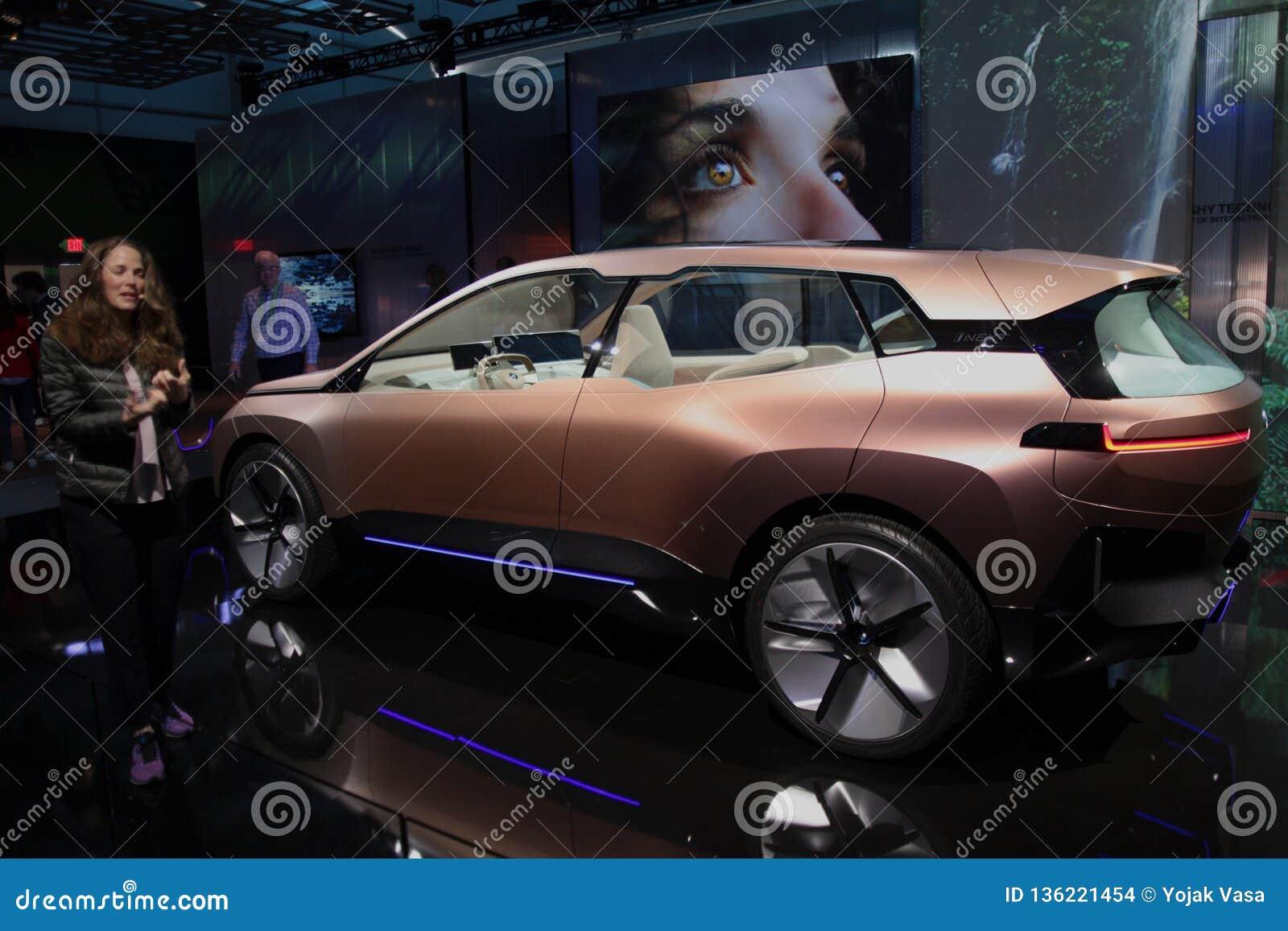 Автомобиль концепции iNext BMW на CES 2019