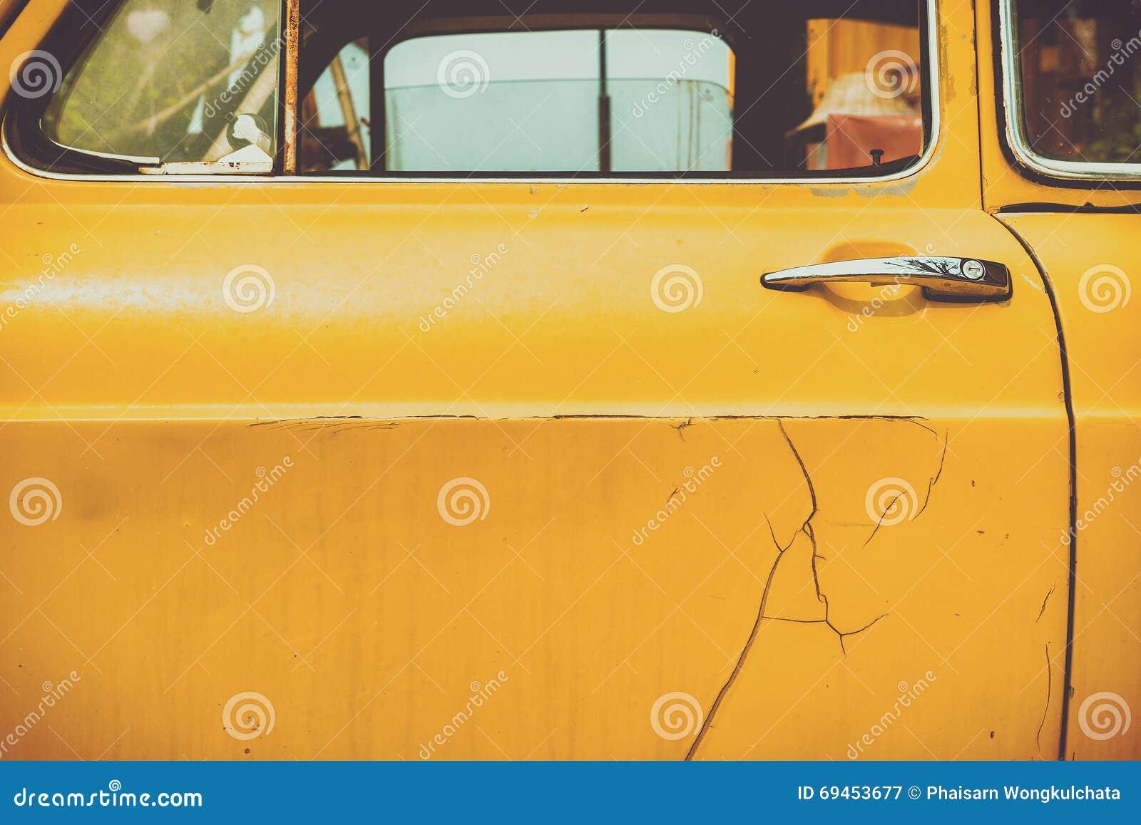 Автомобильная дверь предпосылки старая винтажная