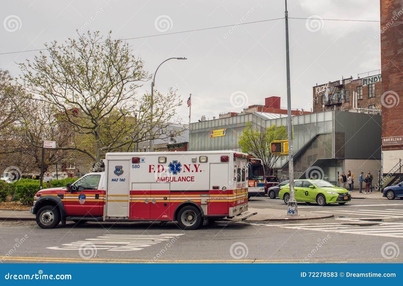 Download Автомобиль отделения пожарной охраны Нью-Йорка Редакционное Стоковое Фото - изображение насчитывающей цвет, знак: 72278583