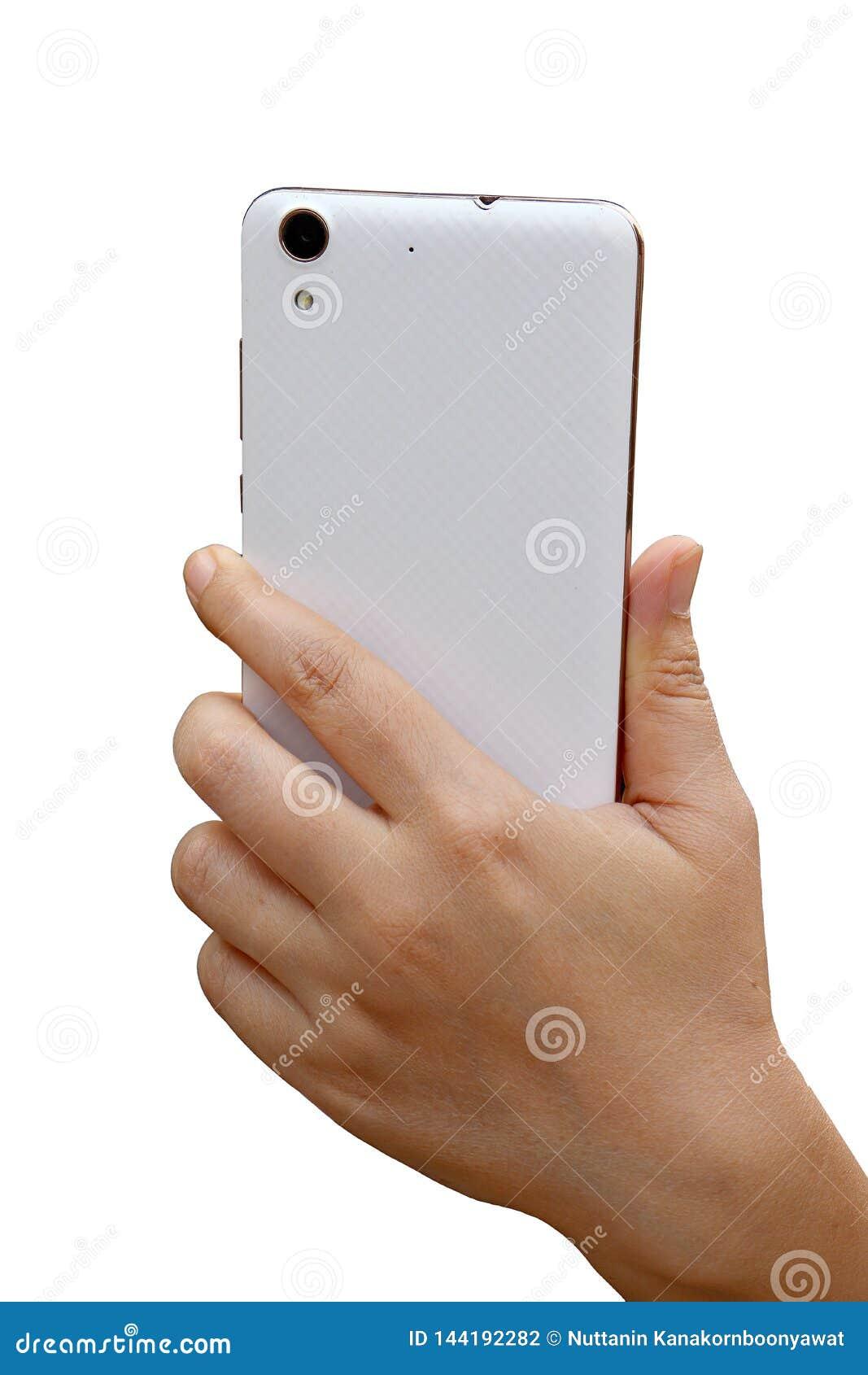 Азиатская рука женщины держа и используя умную сторону шоу телефона назад r