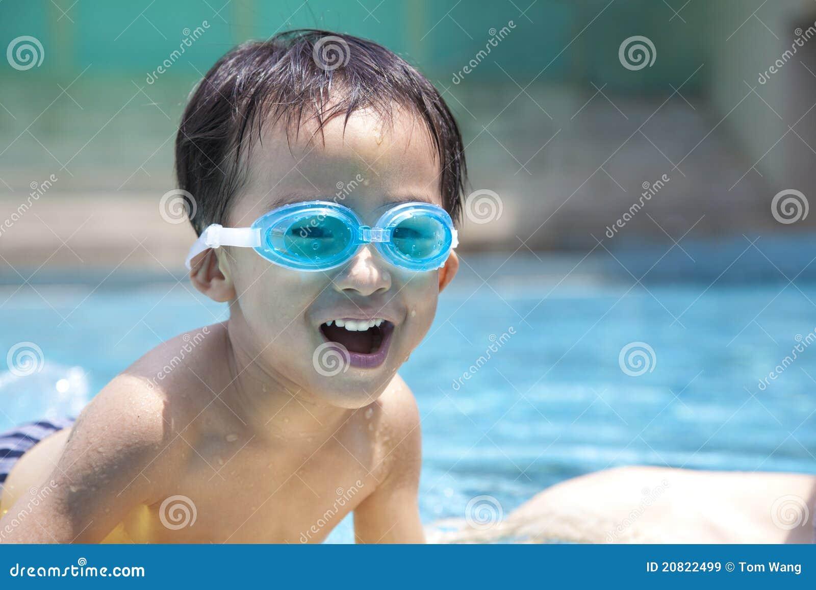 азиатская счастливая вода малыша