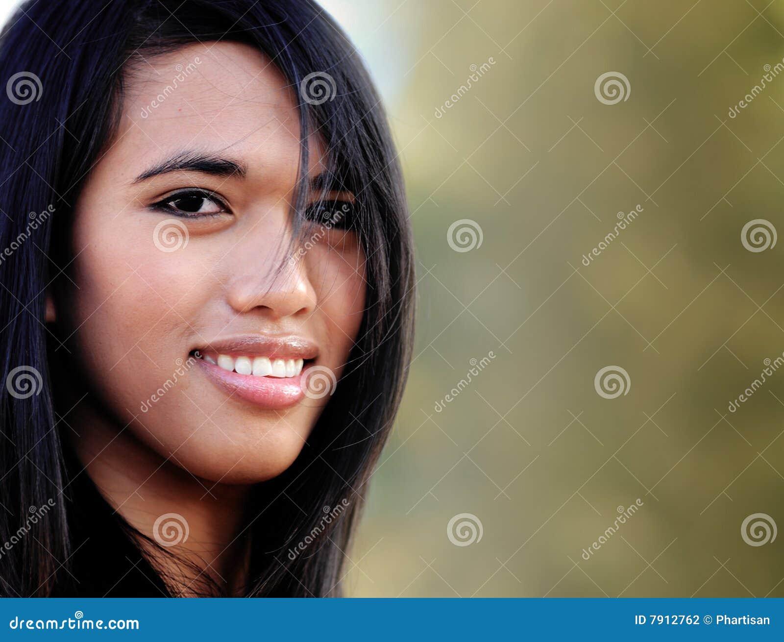 азиатские привлекательные ся детеныши женщины