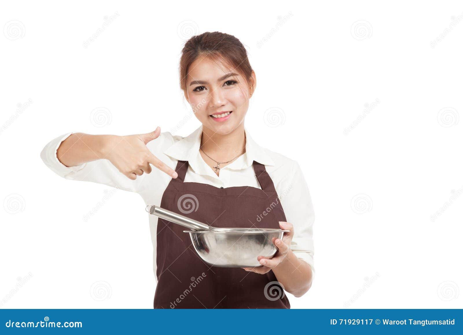 Азиатский пункт девушки хлебопека, который нужно юркнуть и шар