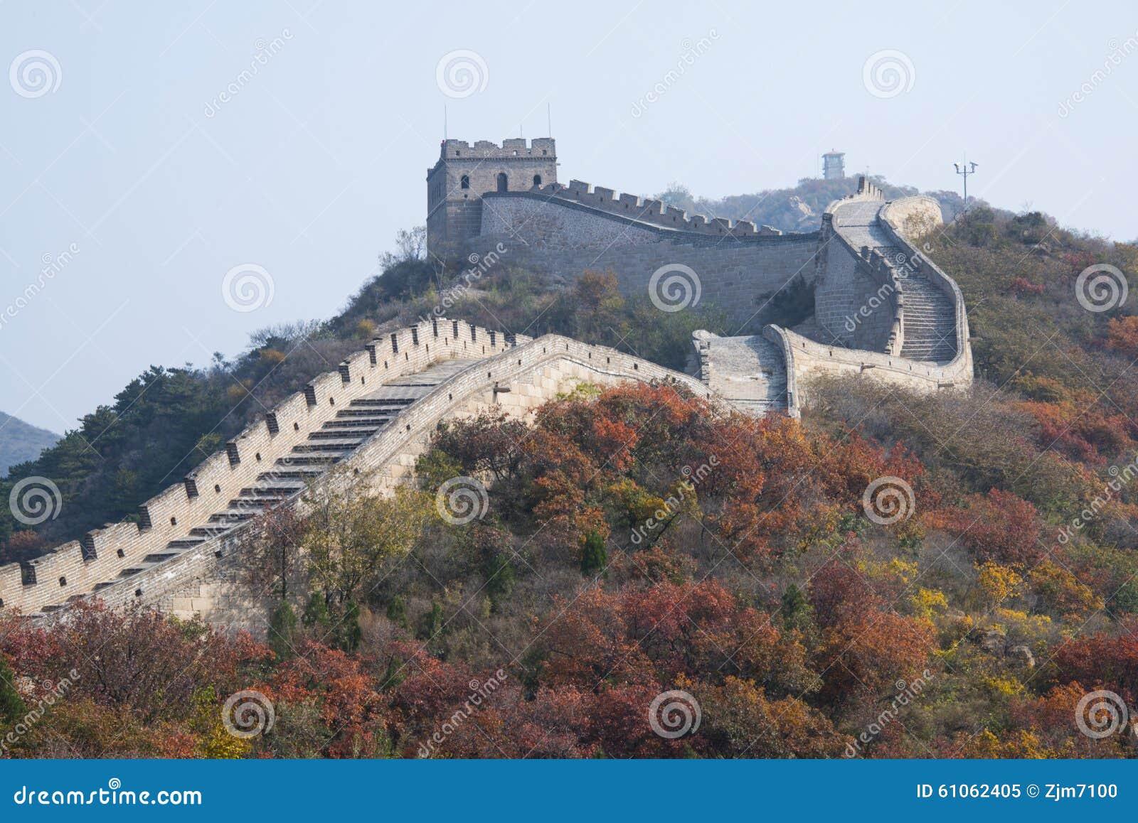 Азия Китай, Пекин, badaling национальный Forest Park, Великая Китайская Стена, красный цвет выходит