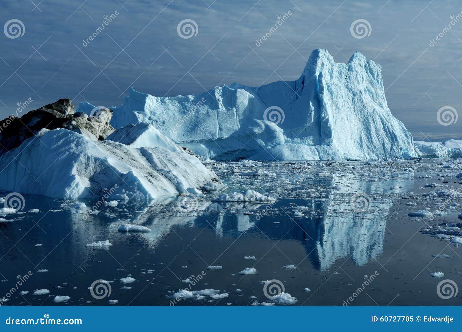 Айсберги в Гренландии 12