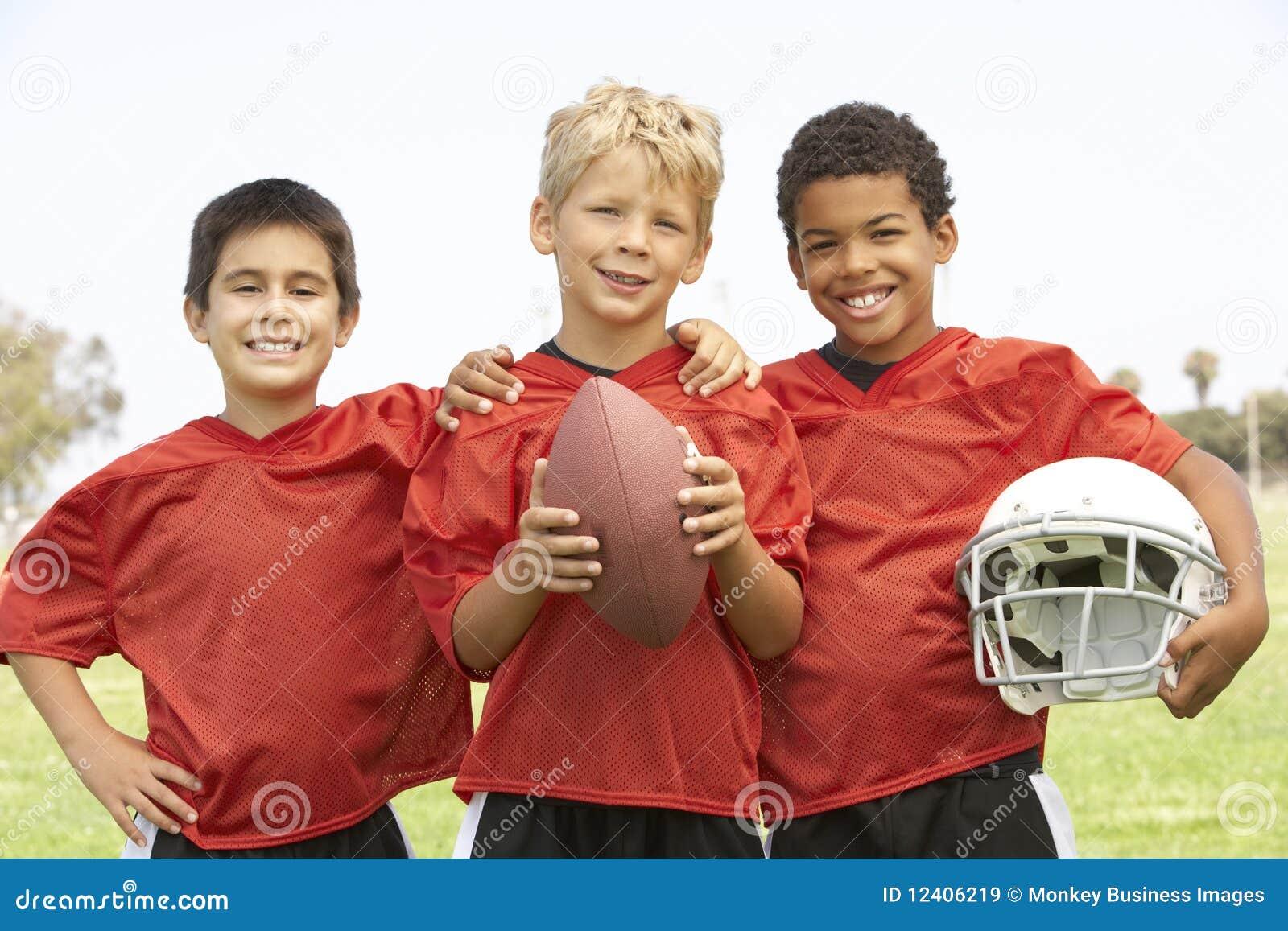 американские детеныши футбольной команды мальчиков