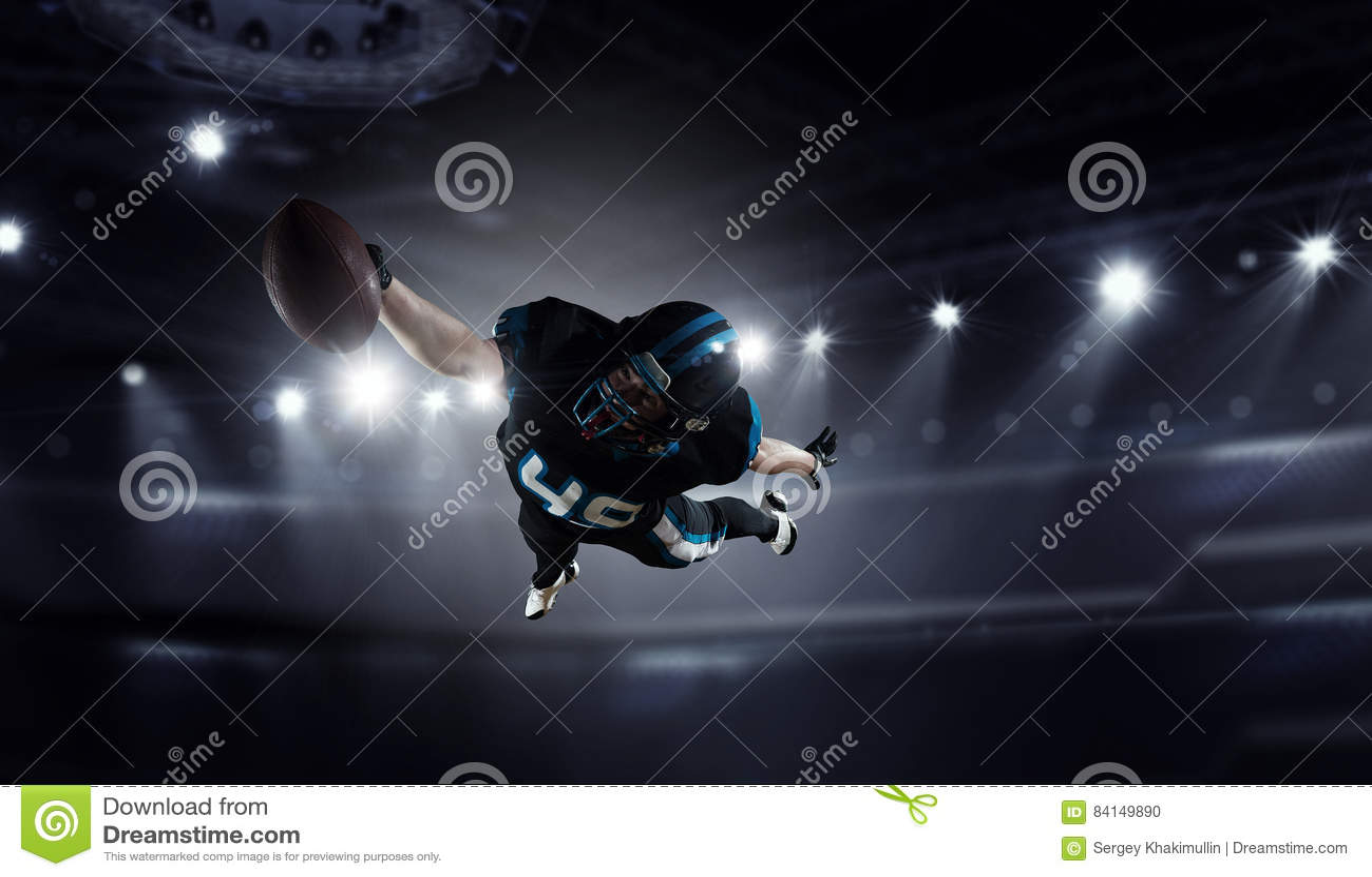 американский футболист Мультимедиа