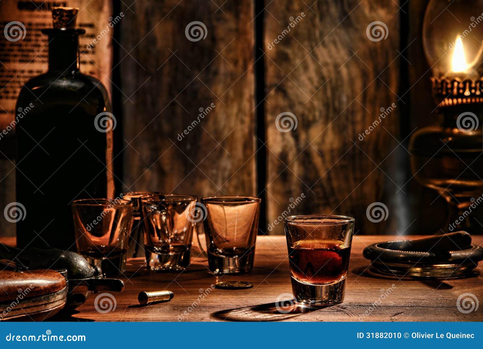 Американское западное стекло вискиа сказания на западном баре