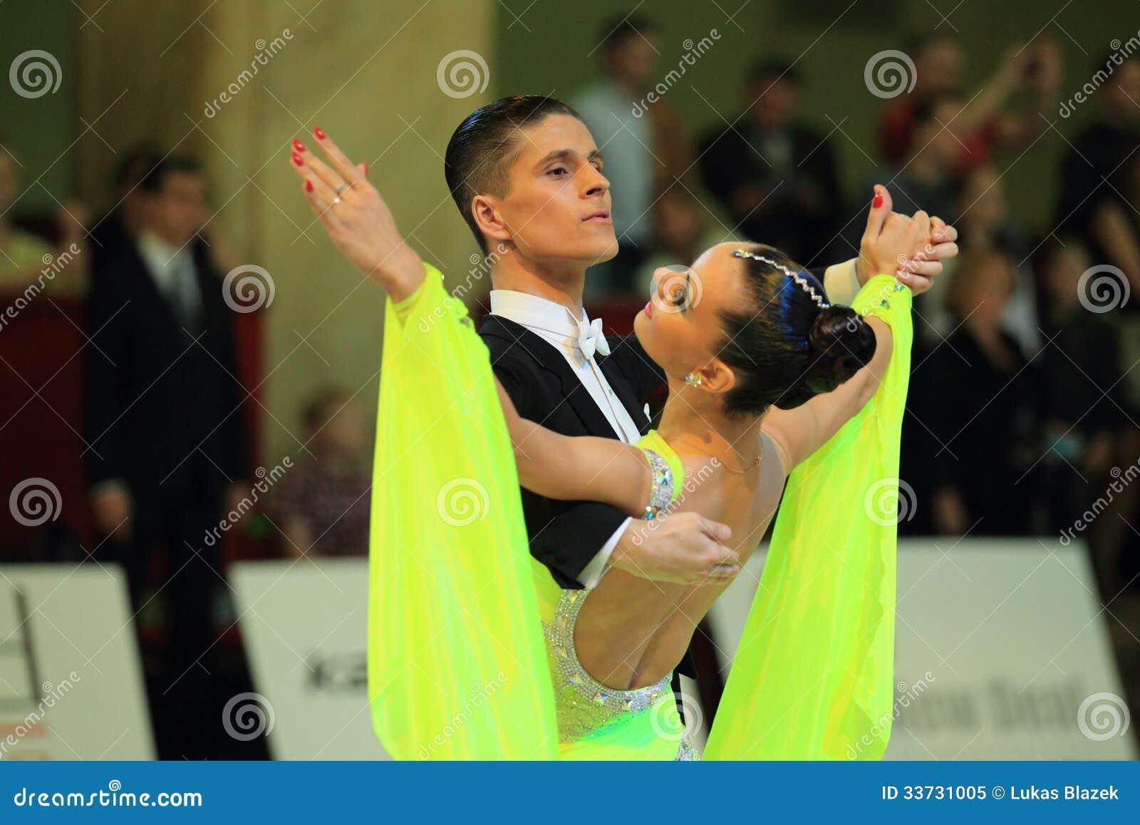 Анастасия Glazunova и Alexey Glukhov - стандартные бальные танцы