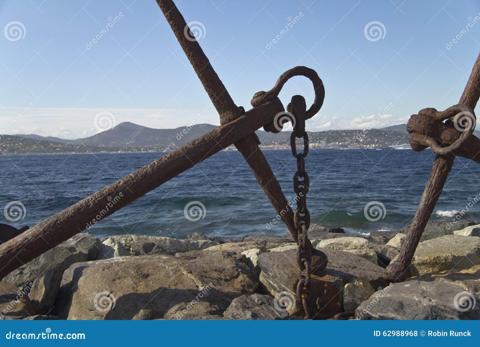 Анкер на море в St Tropez