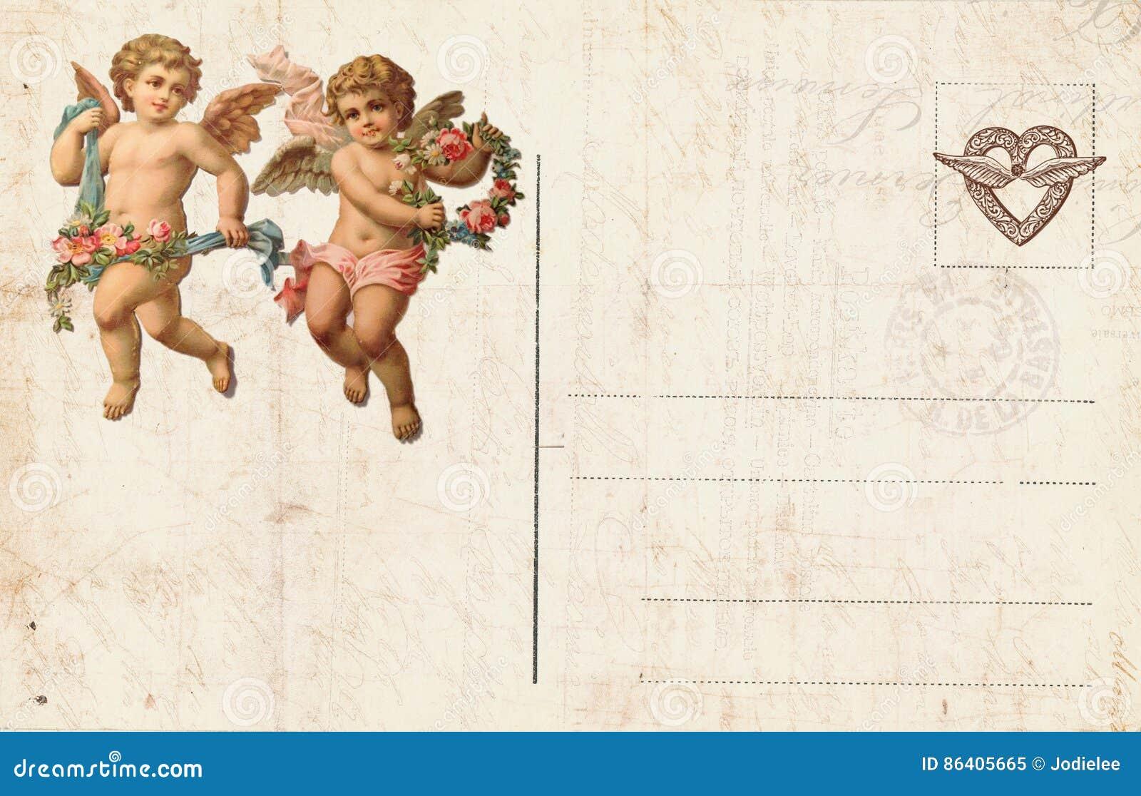 Античная открытка ` s валентинки стиля отличая купидоном и сердцем