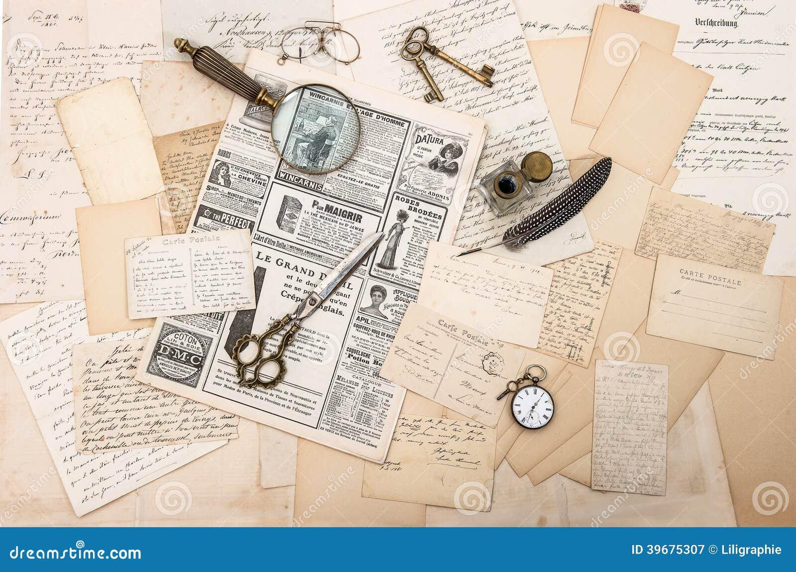 Античные аксессуары, старые письма и открытки. ephemera