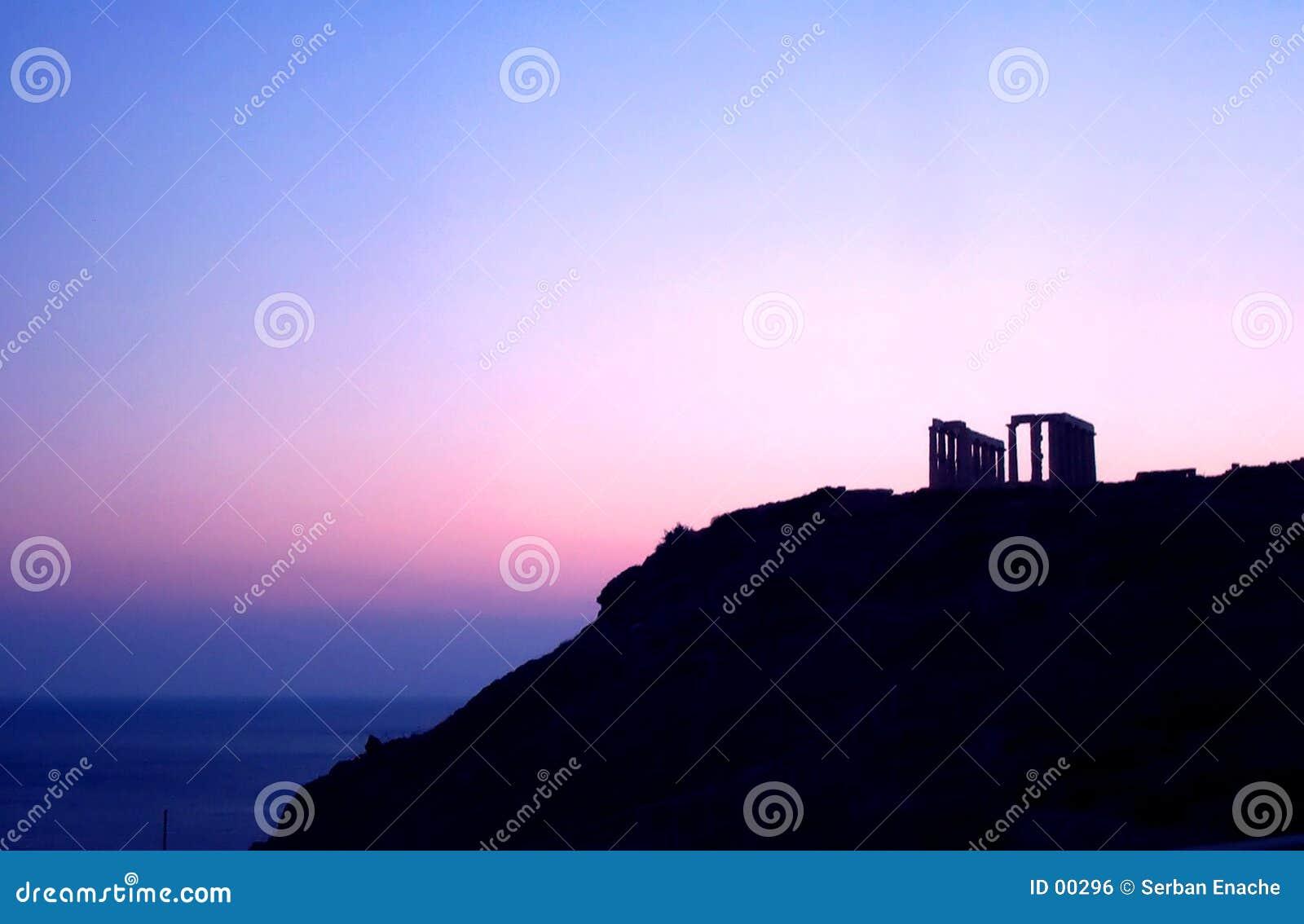 античный заход солнца