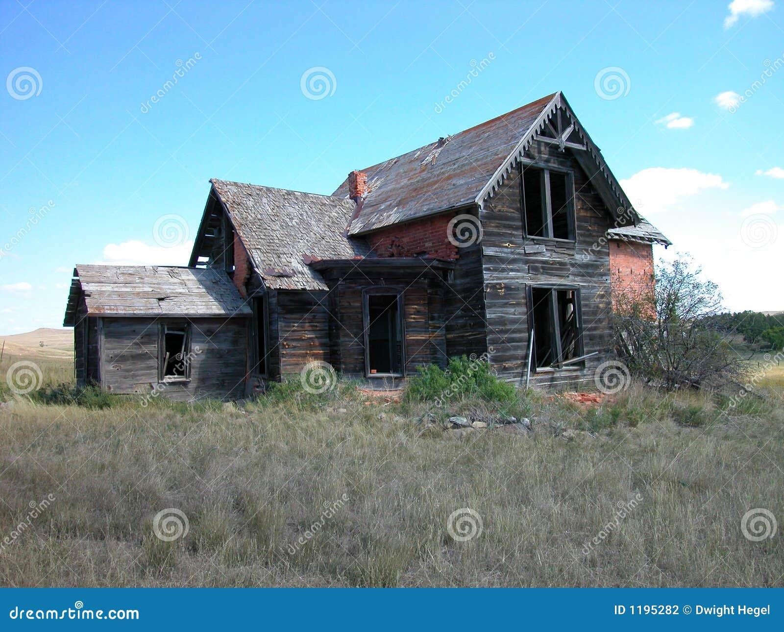 античный кирпич dilapidated дом