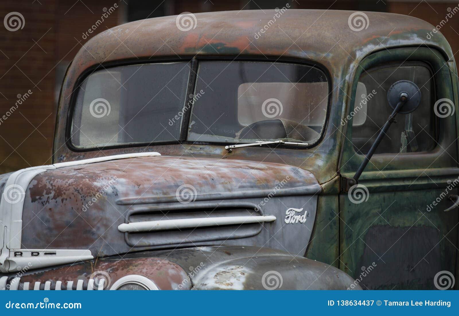 Античный крупный план грузового пикапа Форда