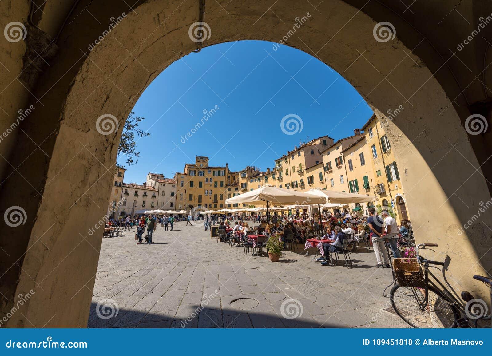 Аркада Anfiteatro - Лукка Тоскана Италия