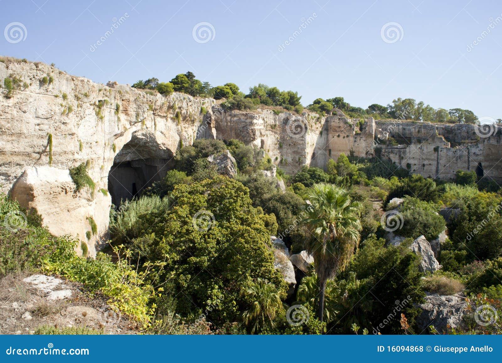 археологический парк syracuse