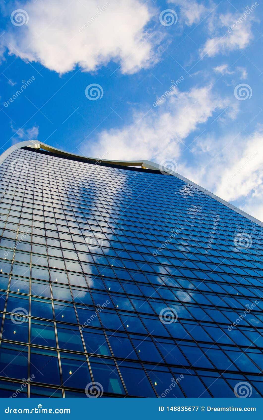 Архитектура Лондона - здания - синь цвета