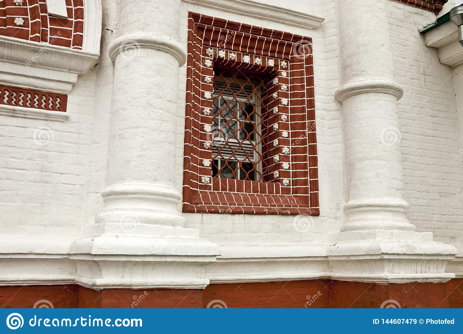 Архитектура, ретро, год сбора винограда, кирпичная кладка, белый кирпи