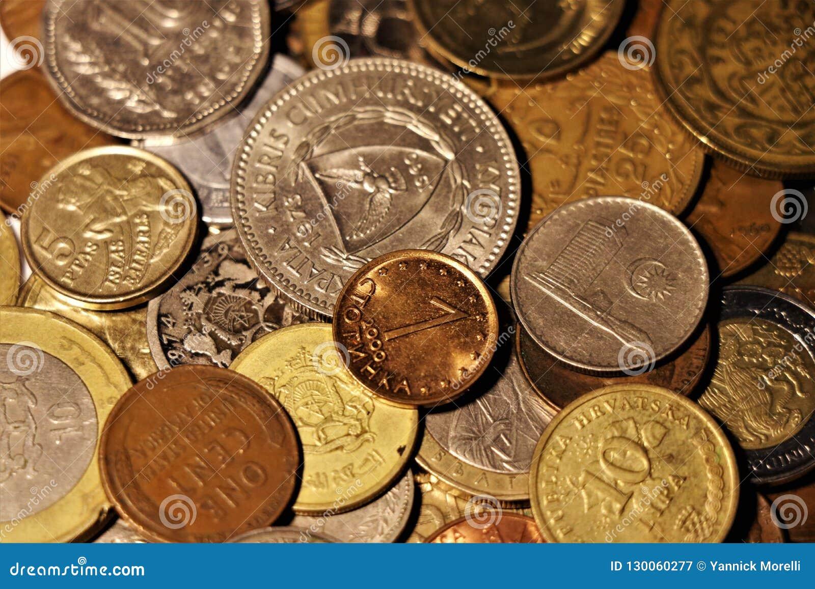 Ассортимент монеток мира собрание numismatic