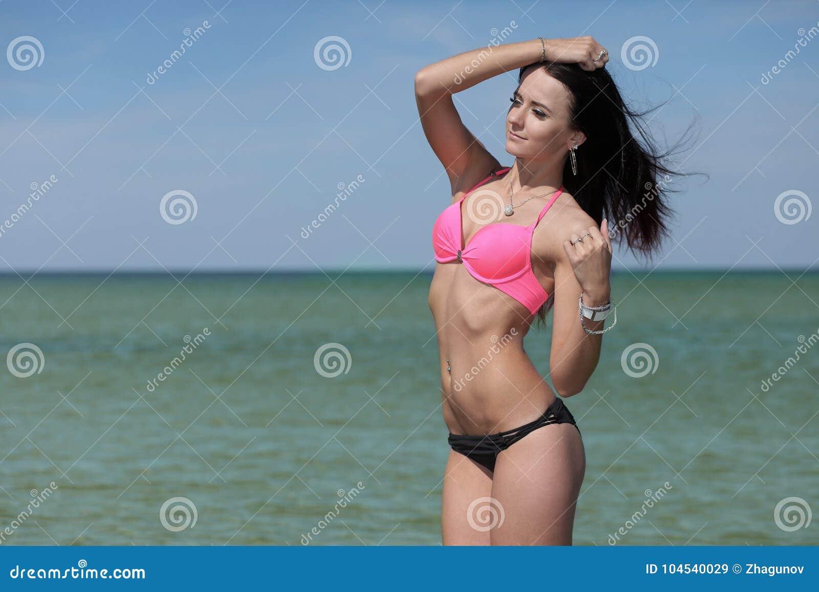 Девчонка в купальнике картинки — pic 8