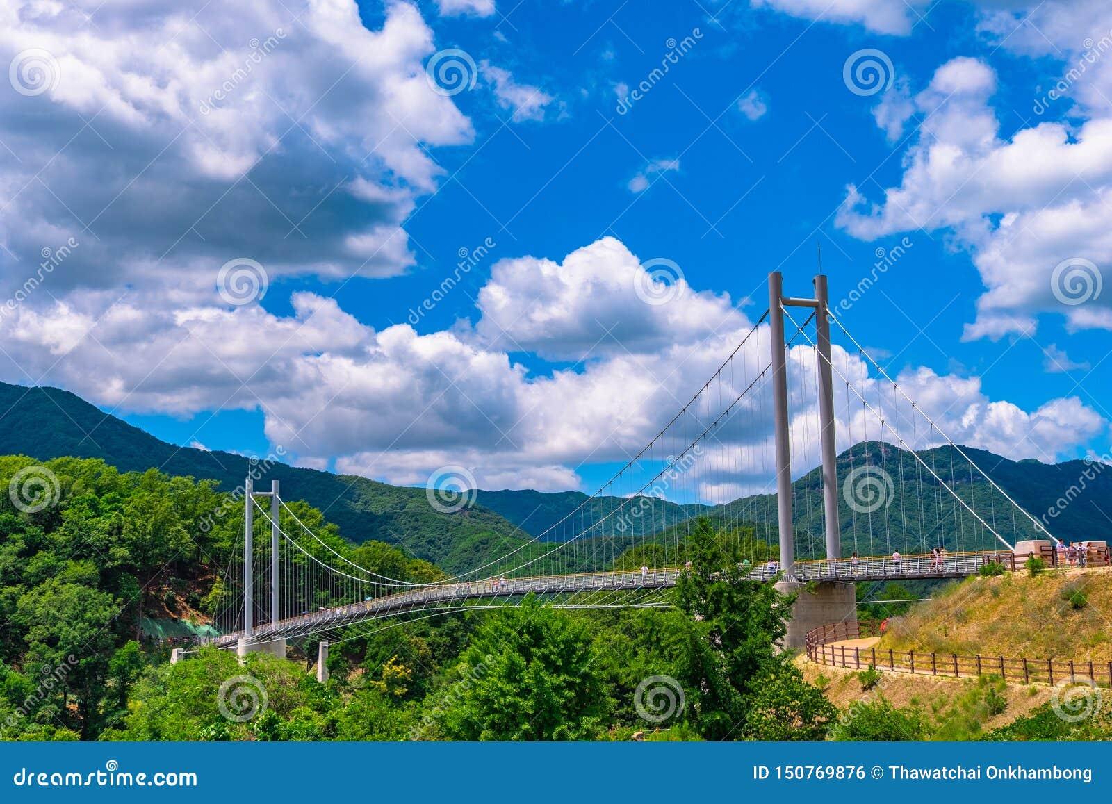 Атмосфера дневного времени на голубе Nang мост, Пхочхон Сеул Корея